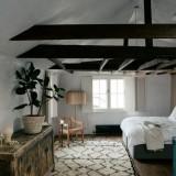 Chan-and-Eayrs-Wilkes-Street-home-tour-bedroom-wabi-sabi-elegance-1024x684